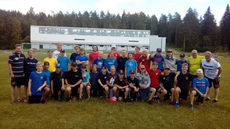 P15 maajoukkue-ehdokkaat leireilivät Mikkelissä