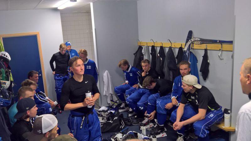 Suomi - Ruotsi miehet ja 21-v, Ruotsi vahva perjantaina